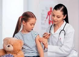 24 жовтня міжнародне співтовариство відзначає Всесвітній день боротьби із поліомієлітом (World Polio Day). Ініціатива  привернення уваги до цієї проблеми належить неурядовій міжнародній організації Ротарі, яка  у такий спосіб увіковічнила внесок американського епідеміолога Джонаса Солка у розробку вакцини проти поліомієліту.