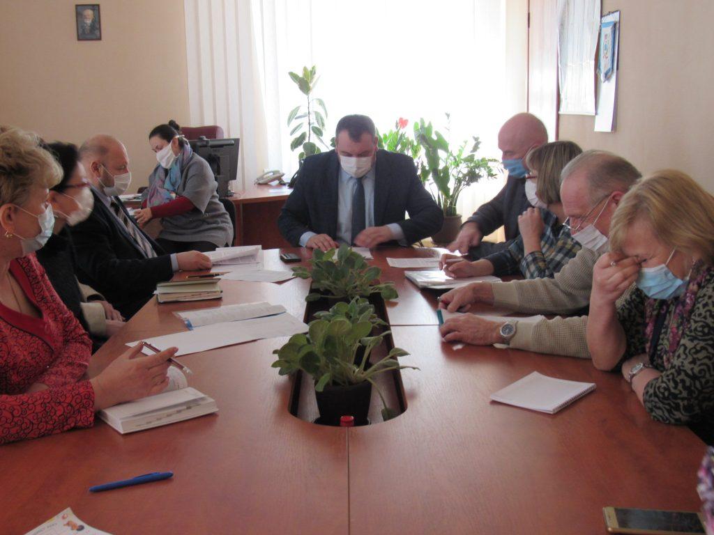 26 березня під головуванням начальника Управління охорони здоров'я ОДА Петра Гармаша відбулося чергове засідання обласного оперативного штабу із запобігання та протидії поширенню на території області COVID-19.