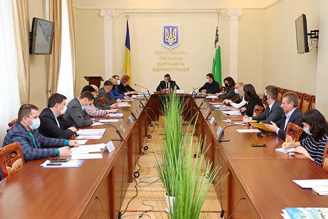 Про головні аспекти процесу децентралізаційної реформи в регіоні йшлося 21 січня на нараді у Чернігівській облдержадміністрації. Говорили, зокрема, і про подальшу долю медичних закладів.