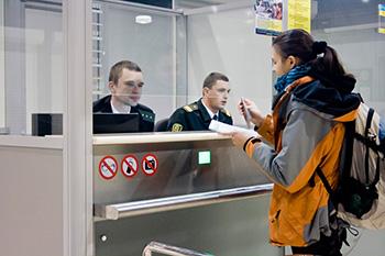 Нові правила в'їзду в Україну: кому буде не потрібна самоізоляція